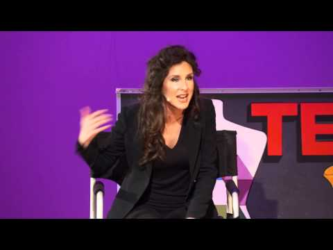 In my chair – a makeup artists perspective on beauty: Eva DeVirgilis at TEDxRVAWomen