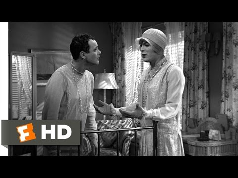 Some Like It Hot (6/11) Movie CLIP - How the Other Half Lives (1959) HD