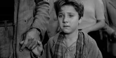 The final scene of 'Bicycle Thieves.'