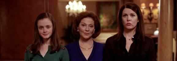 Alexis Bledel, Kelly Bishop, and Lauren Graham in Gilmore Girls