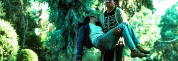 Donnie Darko carrying the corpse of his girlfriend