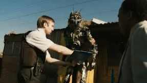 Wikus evicting the residents of District 9