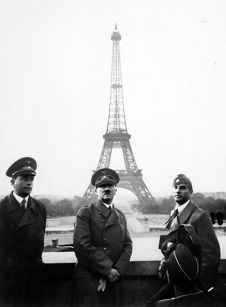 Hitler in Paris 1940