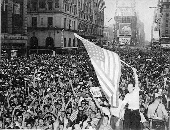 VJ Day in Times Square (1945).