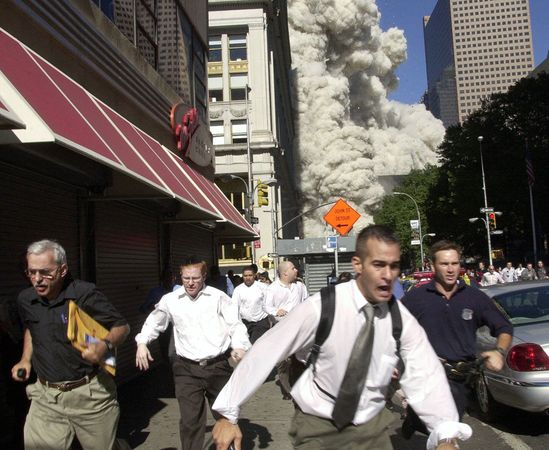 New York citizens in terror on 9/11