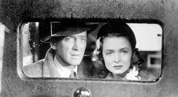 George (James Stewart) and Mary (Donna Reed): the couple faces trouble