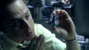 Parker Selfridge (Giovanni Ribisi) holds a piece of Unobtanium.