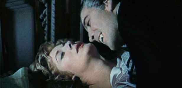 dracula-1958-blu-ray-deleted-scenes-hammer