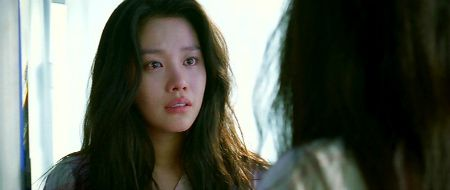 Han-na in disbelief at how beautiful she looks after her surgery.