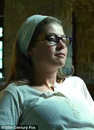 """Amy dresses the part as her """"Nancy"""" persona in Gone Girl."""