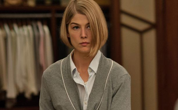 Amy frames Nick for her murder in Gone Girl.